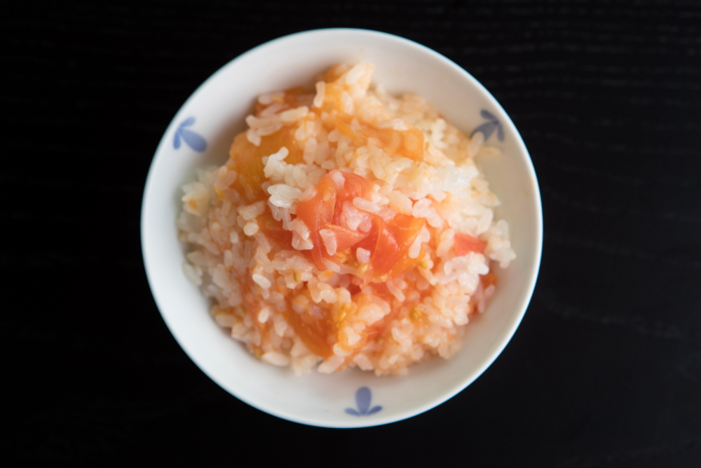 トマト丸ごと御飯土鍋炊き